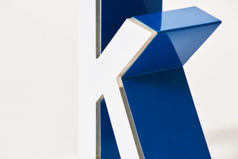 Insegne pubblicitarie Mattioli lettera alluminio scatolato con massello dettaglio